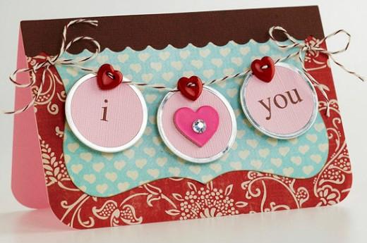 Hãy để những tấm thiệp nhỏ xinh lưu trữ những lời yêu thương của bạn dành cho người ấy.