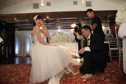 Hôn lễ của Ngọc Quyên được tổ chức theo nghi lễ phương Tây. - Tin sao Viet - Tin tuc sao Viet - Scandal sao Viet - Tin tuc cua Sao - Tin cua Sao