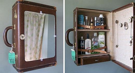 Tủ đựng đồ dùng y tế hoặc mỹ phẩm được làm từ một cái vali bỏ không.