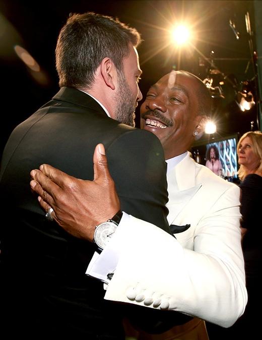 'Người dơi' Ben Affleck hạnh phúc khi gặp gỡ bạn đồng nghiệp Eddie Murphy