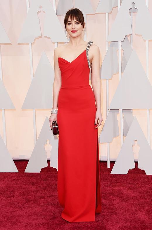 Nữ diễn viên Dakota Johnsonđã thu hút mọi ánh nhìn kể từ khi cô bước chân lên thảm đỏ