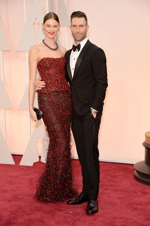 Adam Levine và vợ Behati Prinsloo