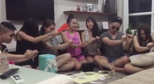 Hàng loạt clip cover ca khúc 'Ngày mai' của Tóc Tiên.