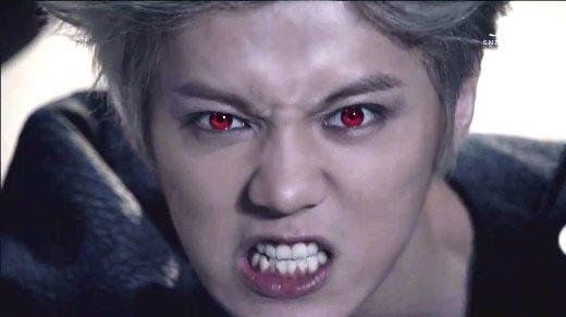 """Một chiếc răng không nghe lời của Luhan (cựu thành viên EXO) cũng không khiến tính """"sát thương"""" trong nụ cười rạng rỡ của anh chàng giảm đi chút nào."""