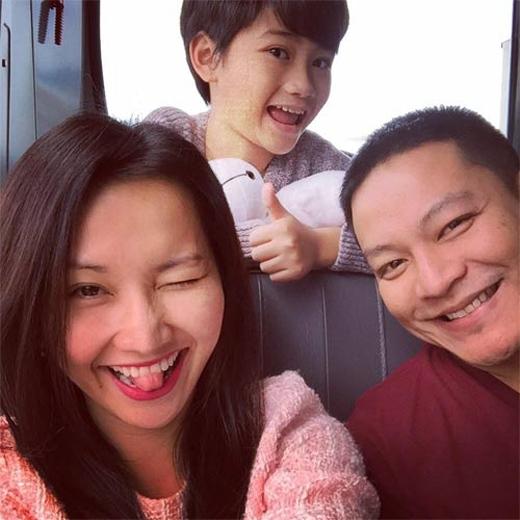 Những hình ảnh hạnh phúc của gia đình Kim Hiền. - Tin sao Viet - Tin tuc sao Viet - Scandal sao Viet - Tin tuc cua Sao - Tin cua Sao