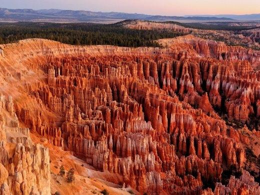 Đón bình minh ở dãy Bryce Canyon ở Utah, Mỹ