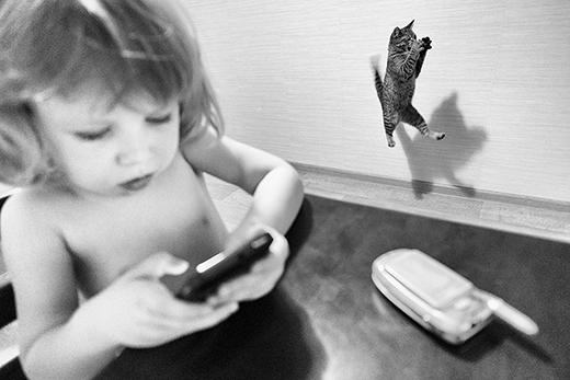 Đây là một tấm ảnh nằm trong series 'Cuộc sống gia đình' của một nhiếp ảnh gia.