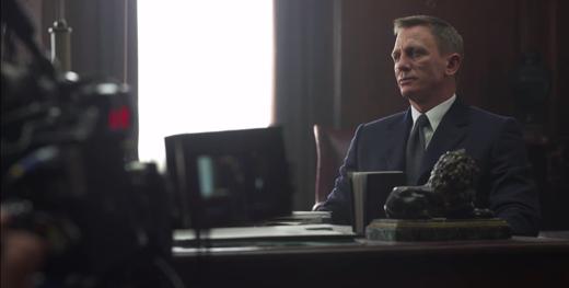 Daniel Craig vẫn đảm nhận vai James Bond trong phần này.