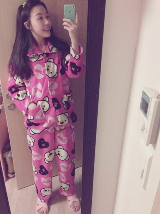 Minah có một tình yêu với chú gấu Teddy và cực đáng yêu trong trang phục này.