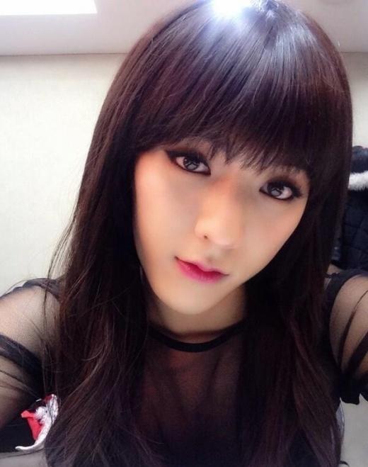 Thật không ngoa nếu như nóiLee Min Hyuk (BTOB)đẹp hơn của các cô nàngGirl's Daykhi hóa thân vào họ trong 1 màn trình diễn.