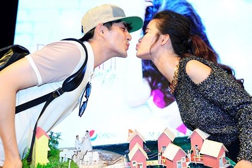 Những nụ hôn 'hụt' mà fan từng tưởng như thật. - Tin sao Viet - Tin tuc sao Viet - Scandal sao Viet - Tin tuc cua Sao - Tin cua Sao