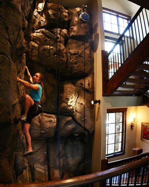 Tường leo núi ba tầng trong nhà