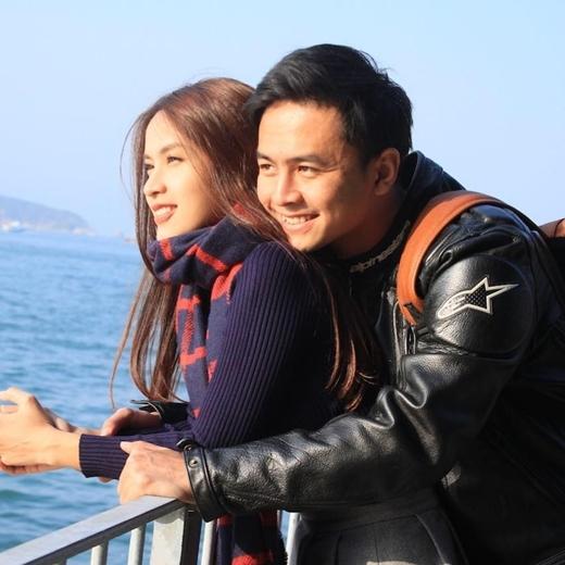 Bén duyên kể từ khi cùng tham gia bộ phim Bếp hát, Tú Vi – Văn Anh trở thành một cặp đôi đẹp của showbiz Việt. - Tin sao Viet - Tin tuc sao Viet - Scandal sao Viet - Tin tuc cua Sao - Tin cua Sao