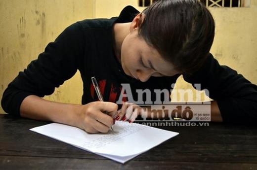 Trang Trần thành khẩn viết kiểm điểm xin lỗi lực lượng chức năng, người hâm mộ.