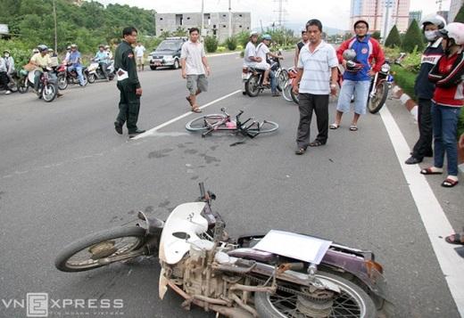Tai nạn đôi khi xuất hiện bất thình lình kiểu như 'từ trên trời rơi xuống', làm hư hại vật chất và đe dọa trực tiếp đến tính mạng VĐV.