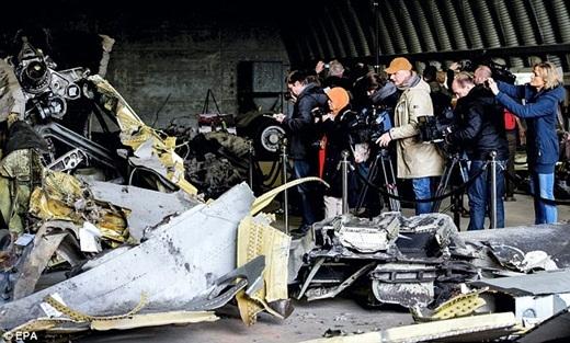 Các cơ quan thông tấn báo chí từ nhiều nước trên thế giới đều đến căn cứ không quân của Hà Lan để chụp ảnh và đưa tin về sự việc này.
