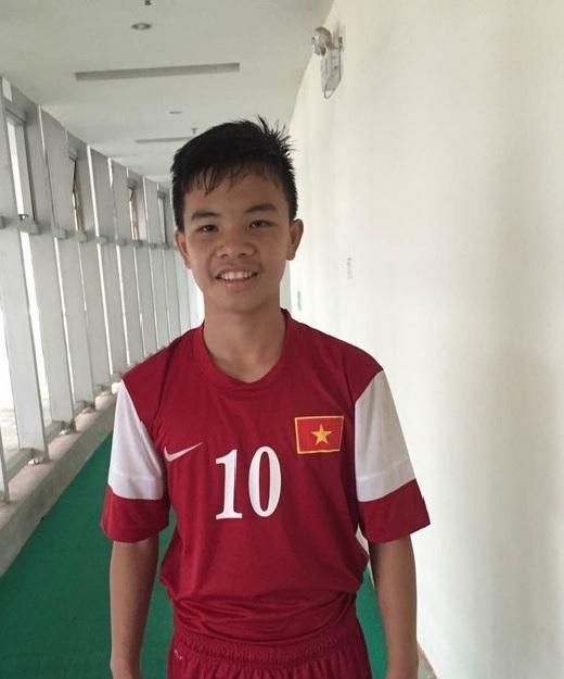 Cầu thủ Phạm Nhật Chiến được đánh giá là ngôi sao triển vọng của đội U.16 Việt Nam