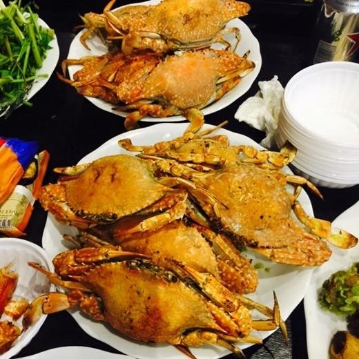 Bữa tối thịnh soạn được Hồ Ngọc Hà chuẩn bị để chiêu đãi mọi người. - Tin sao Viet - Tin tuc sao Viet - Scandal sao Viet - Tin tuc cua Sao - Tin cua Sao