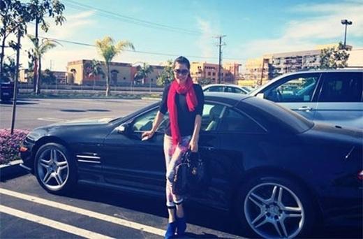 Không chỉ tặng siêu xe vào ngày 14/2/2014, nữ ca sĩ Thu Phương còn được chồng là Dũng Taylor tặng túi xách và Ipad làm quà vào 8/3. - Tin sao Viet - Tin tuc sao Viet - Scandal sao Viet - Tin tuc cua Sao - Tin cua Sao