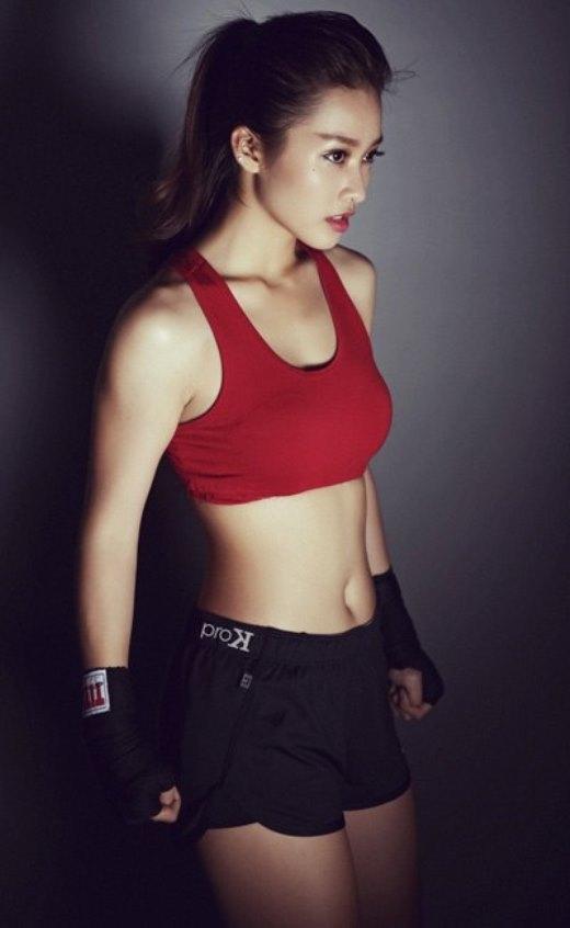 """Cô nàng nổi tiếng và được nhiều người biết đến sau hình ảnh """"boxing girl""""."""
