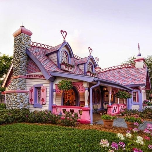 Căn nhà nhỏ màu hồng của Isabella ở Orlando, Mỹ.
