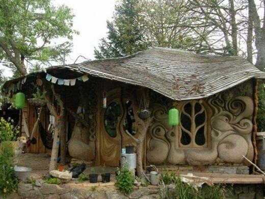 Căn nhà nhỏ xinh được điêu khắc tinh xảo ở Somerset, Anh.