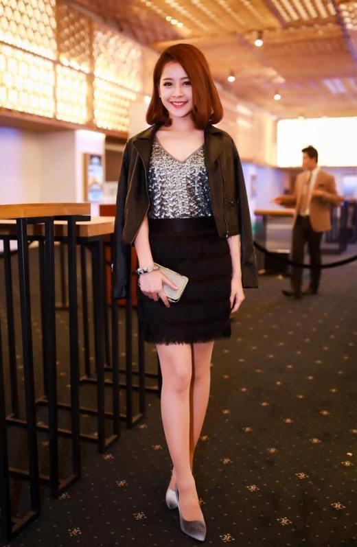 Chi Pu không bó buộc bản thân vào gu thời trang nhất định nào. Cô nàng là người đa năng trong cả công việc lẫn ngoại hình.