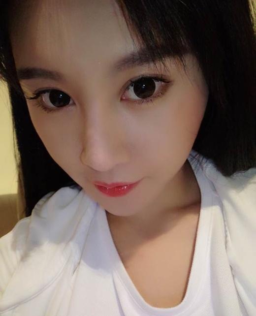 Gương mặt của cô được cho là sự hài hòa của Phạm Băng Băng và Quan Chi Lâm