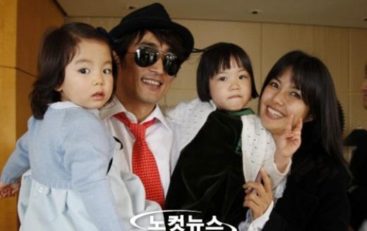 Hai cô con gái nuôi đáng yêu của Cha In Pyo
