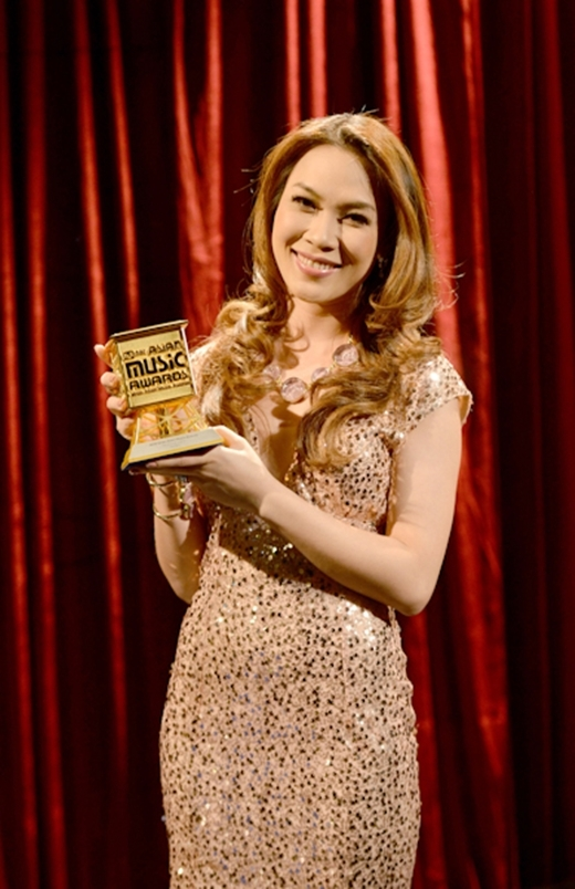 Nữ ca sĩ có vô số các giải thưởng lớn nhỏ. - Tin sao Viet - Tin tuc sao Viet - Scandal sao Viet - Tin tuc cua Sao - Tin cua Sao