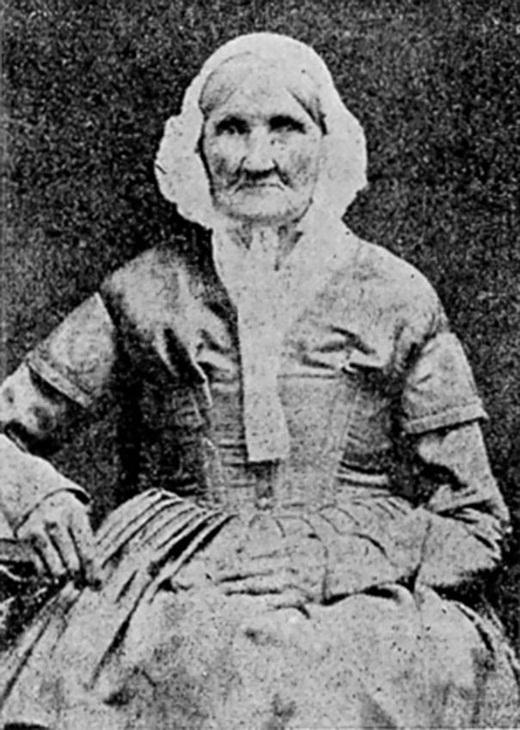 Bà Hannah Stilley, sinh năm 1746 với bức ảnh được chụp vào năm 1840. Bà có lẽ là người lớn tuổi nhất trên thế giới được chụp ảnh đầu tiên vào thời bấy giờ.