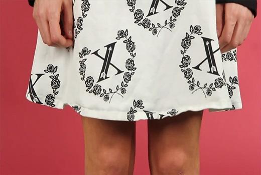 Váy ngắn ban đầu không thực sự ngắn