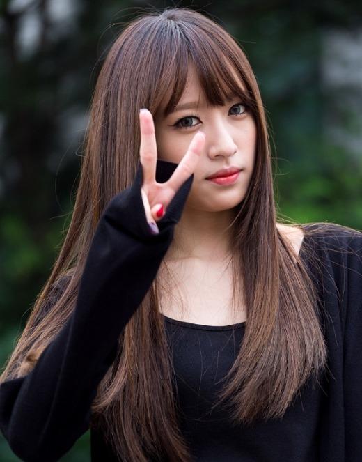 Có lẽ với những gì thể hiện gần đây, Hani (EXID) hoàn toàn chiếm trọn trái tim các fan Kpop. Không ít các bạn nữ thừa nhận bản thân vô cùng ngưỡng mộ và ganh tỵ với nữ thần tượng: xinh đẹp, hát ổn, nhảy tốt, lại còn học giỏi, có cô gái nào lại không muốn mình hoàn hảo được như thế.