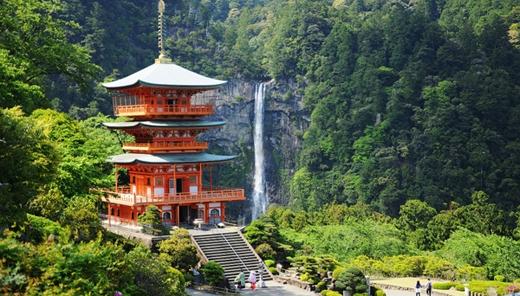 Cao 133m, thác nước Nachi ở Wakayama là thác nước lớn nhất ở đất nước mặt trời mọc.