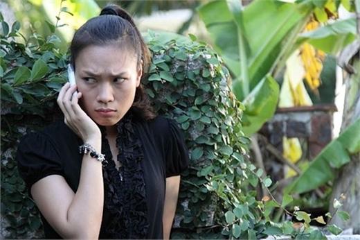 Không chỉ thành công trong lĩnh vực âm nhạc, Mỹ Tâm còn lấn sân diễn xuất. Đây là hình của cô trong phim đầu tay 'Cho một tình yêu'. Có vẻ như kiểu 'liếc mắt' tinh nghịch này là thói quen của giọng ca Ước gì. - Tin sao Viet - Tin tuc sao Viet - Scandal sao Viet - Tin tuc cua Sao - Tin cua Sao