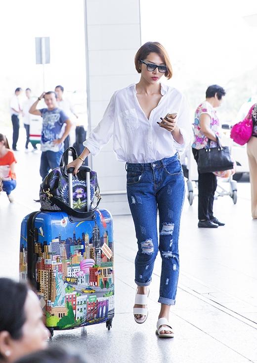 Minh Triệu cũng vừa xác nhận cô sẽ là một trong những gương mặt đại diện Việt Nam đến Fashion TV Baby Face Thượng Hải vào tối nay 30/3.