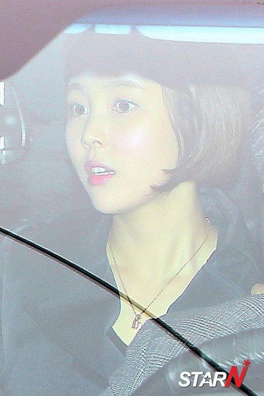 Kim Sa Eun đưa chồng đến doanh trại