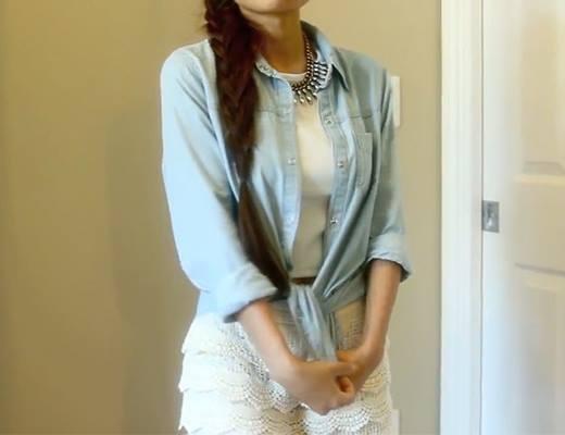 Thứ hai xinh xắn cùng áo thun phối áo sơ mi tông xanh nhẹ nhàngpha với một chút thùy mị của quần ren.
