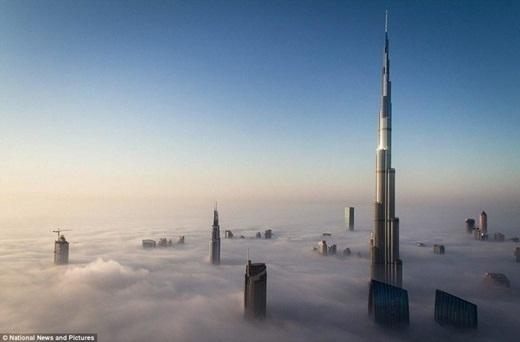 Tòa nhà cao nhấtthế giới, Burj Khalifa nằm ở Dubai.