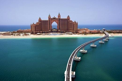 Khách sạn đắt tiền bậc nhất thế giới Atlantis được xây dựng trên một hòn đảo nhân tạo.