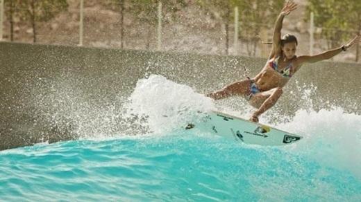 Bạn có thể chuyển qua lướt sóng ngay sau khi chơi trượt tuyết mà không gặp khó khăn gì.
