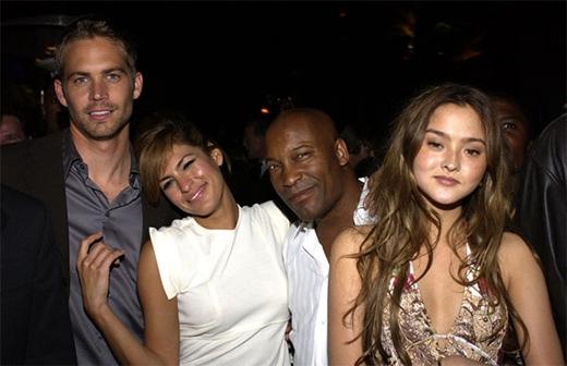 Nối tiếp thành công của phần 1, sau 2 năm, phần 2 của bộ phim tiếp tục ra mắt khán giả với tựa đề '2 Fast 2 Furious'. Bốn nhân vật chính Paul Walker, Eva Mendes, Black Ty và người đẹp mang ba dòng máu Nhật - Đức - Anh, Devon Aoki tại buổi công chiếu năm 2003.