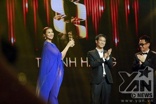 Thanh Hằng là cái tên đầu tiên nhận giải thưởng mới nhất của chương trình - Người mẫu được yêu thích nhất. - Tin sao Viet - Tin tuc sao Viet - Scandal sao Viet - Tin tuc cua Sao - Tin cua Sao