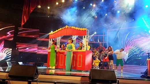14 thí sinh mở màn cho đêm Gala trao giải.