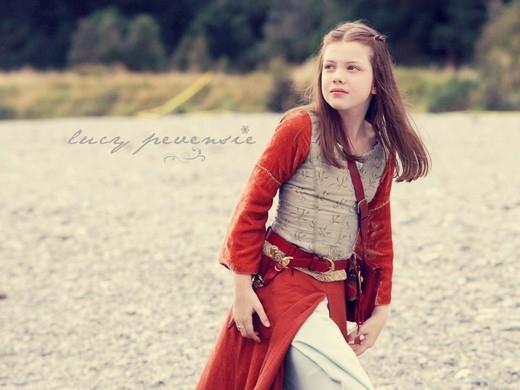 Georgie Henley bắt đầu nổi tiếng khi mới 10 tuổi với vai diễn cô bé Lucy Pevensie ngây thơ trong sáng trong bộ phim The Chronicals of Narnia: The Lion, The Witch and The Wardrobe.