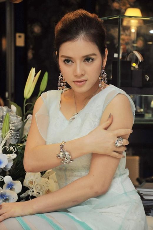 Bộ trang sức kim cương rồng... - Tin sao Viet - Tin tuc sao Viet - Scandal sao Viet - Tin tuc cua Sao - Tin cua Sao