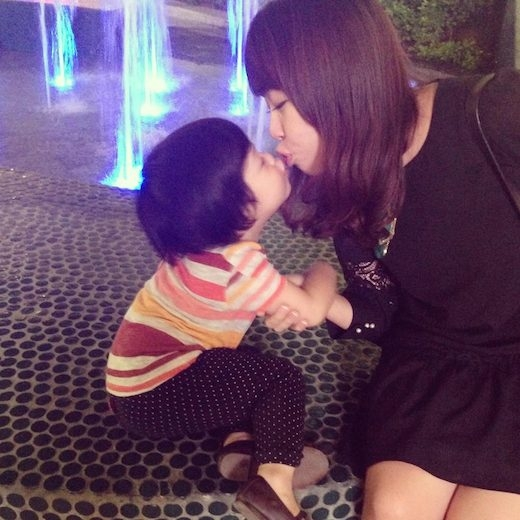 Chu mỏ hôn môi với mẹ nào. - Tin sao Viet - Tin tuc sao Viet - Scandal sao Viet - Tin tuc cua Sao - Tin cua Sao
