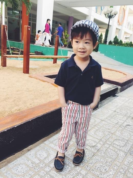 Rio được ví như một fashionista nhí khi luôn được bố mẹ cho diện những bộ đồ cực kỳ phong cách. - Tin sao Viet - Tin tuc sao Viet - Scandal sao Viet - Tin tuc cua Sao - Tin cua Sao