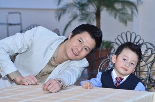 Con trai của Jennifer Phạm và Quang Dũng luôn là tâm điểm chú ý của dư luận. - Tin sao Viet - Tin tuc sao Viet - Scandal sao Viet - Tin tuc cua Sao - Tin cua Sao