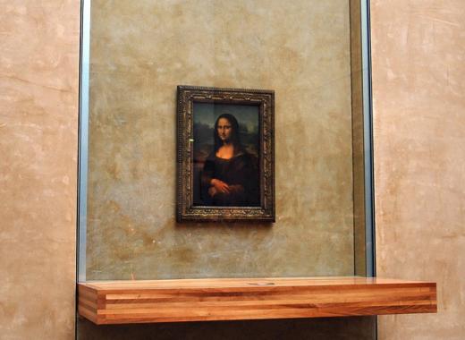 Mơ được một lần chiêm ngưỡng và chụp ảnh tác phẩm Mona Lisa nổi tiếng